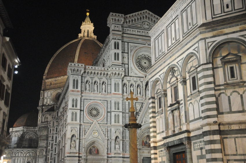 Duomo in Florence at night